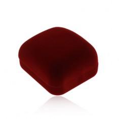 Bársonyos doboz gyűrűkre vagy fülbevalóra, bordó szín, ferde felső rész
