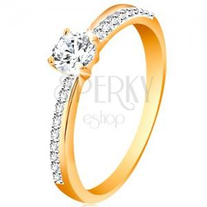 585 arany gyűrű ferde csillogó vonallal és átlátszó cirkóniával foglalatban