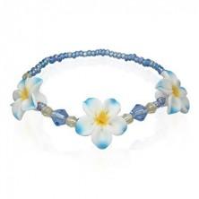Kék színű fimo karkötő gyöngyökből és virágokból
