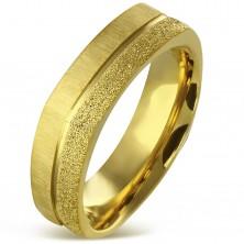 Szögletes gyűrű sebészeti acélból arany színben - szemcsés és szatén sáv, 7 mm