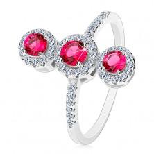 925 ezüst gyűrű, három sötét rózsaszín cirkónia átlátszó szegéllyel