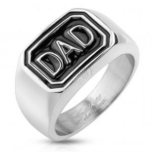 316L acél gyűrű ezüst színben, fekete téglalap DAD felirattal