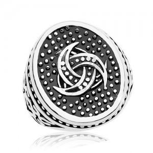 Acél gyűrű, pontozott ovális kelta motívummal, minták a szárakon