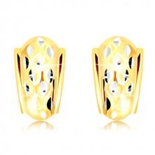 14K arany fülbevaló - szabálytalan félkör fehér arany vésetekkel