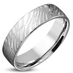 Fényes acél gyűrű ezüst színben - matt zebra mintával, 6mm