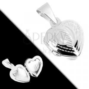 925 ezüst medál - szimmetrikus szív, finom gravírozás, toll motívum