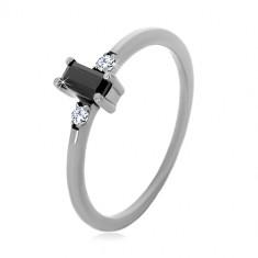 925 ezüst gyűrű - téglalap alakú fekete és kerek átlátszó cirkóniák