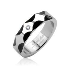 Nemesacél gyűrű - fekete hullám mintázat, tiszta cirkónia