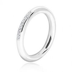 925 ezüst karikagyűrű - fényes, lekerekített felület, apró áttetsző cirkónia sávval