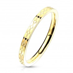 Aranyszínű acél karikagyűrű - filigrán minta, keskeny sín, 2 mm