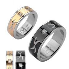 Rozsdamentes acél gyűrű - bemart vonalak és cirkónia kő