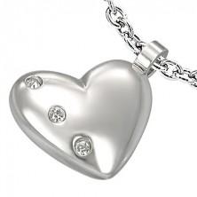 Medál - acél szív három cirkónia kővel