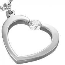 Szív alakú acél medál - cirkóniakő