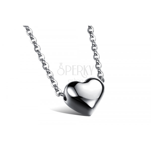 Nyaklánc ezüst színű acélból, kis ovális láncszemek, tükörfényű szív