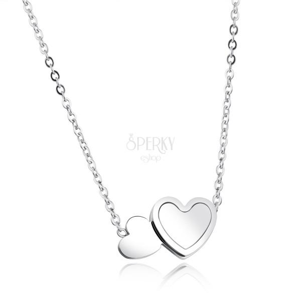 Nyaklánc ezüst színű acélból, ovális gyűrűk, két lapos szív, gyöngyház, szivárványos fényvisszaverődés