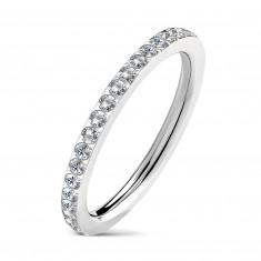 Keskeny acél jegygyűrű, beágyazott tiszta cirkóniákkal, ezüst színű
