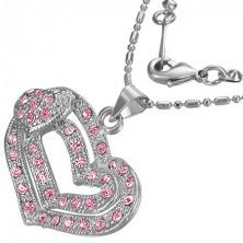 Romantikus nyaklánc egy rózsaszín szív medállal