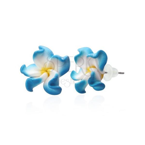 Fehér - kék pluméria fülbevalók - FIMO
