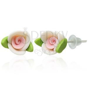 Fülbevaló fimo anyagból - fehér rózsa levelekkel