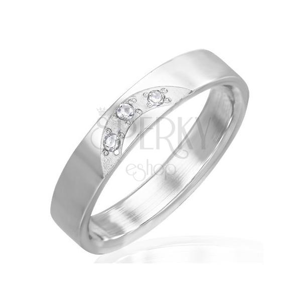 Fényes acél gyűrű - három áttetsző cirkónia