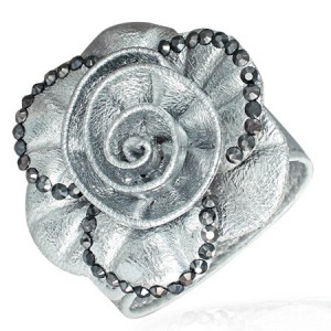 Dekoratív bőr karkötő - nagy ezüst rózsa