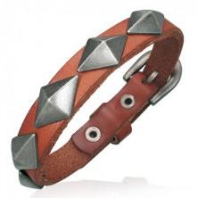 Borostyán bőr karkötő - méretes fém piramisok