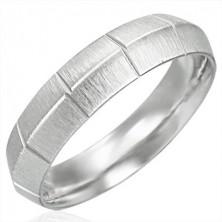 Női acél gyűrű - bemart vonalak, kiemelkedő középső rész