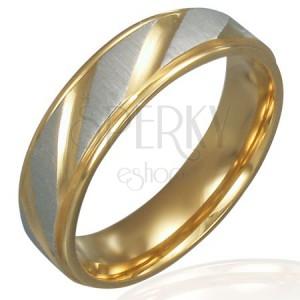 Nemesacél karikagyűrű - arany és ezüst, ferde bemart vonalak