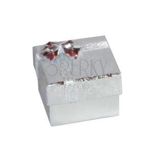Ajándék csomagolás - fényes ezüst rózsák, ezüst szalag, 50 mm