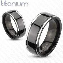 Fekete titán karikagyűrű ezüst szegélyekkel