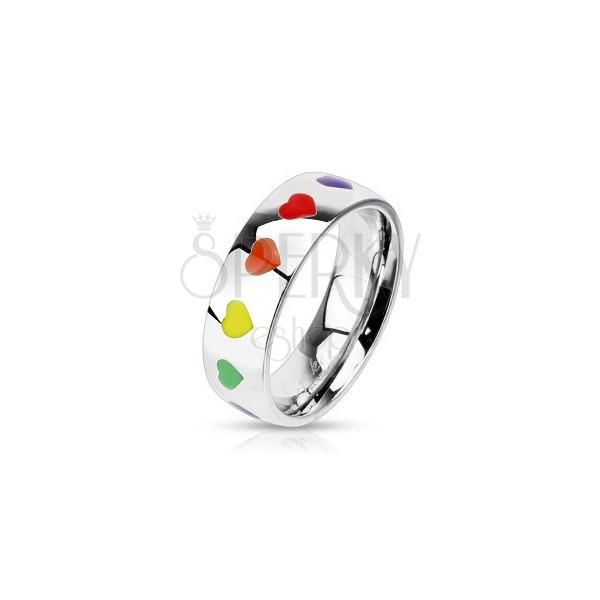 Fényes acélgyűrű színes szívecskékkel, 6 mm
