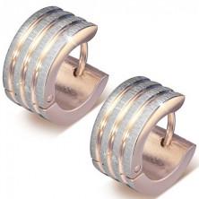 Csíkos fülbevaló acélból, rózsaszínű arany