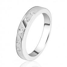 Ezüst karikagyűrű – finom vágás, öt beágyazott cirkónia