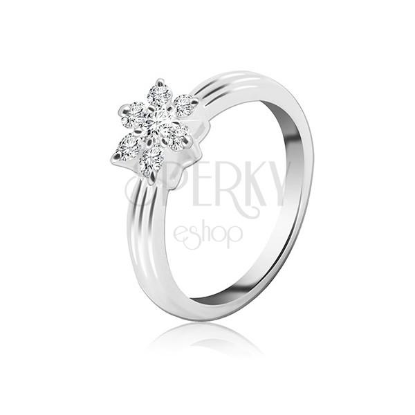 Ezüst gyűrű - cirkónia virág, kiemelekedő sávok a felületen