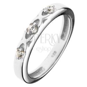 925 ezüst gyűrű - keresztezett vonalak, három cirkónia
