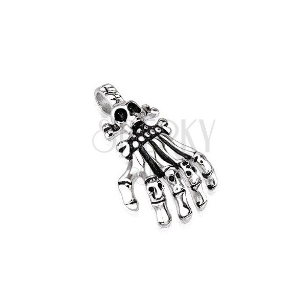 Medál acélból - csontvázkéz koponya alkú ujjpercekkel, antikolt