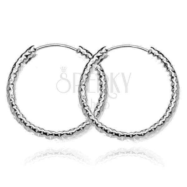 Karika fülbevaló ezüstből  - széles mintázott körök, 25 mm