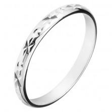 Gyűrű 925-ös ezüstből - gravírozott sugarak és kis kúpok