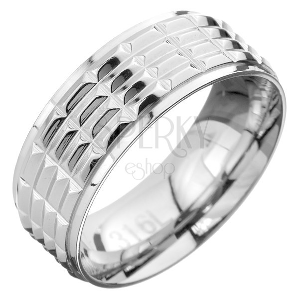Gyűrű acélból - kivágott téglalapok az egész felületen