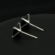 Fülbevaló 925 ezüstből - fekete cirkónia négyzet alakban, 7 mm
