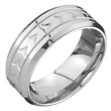 Gyűrű acélból - V bevágások a középső sávban