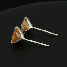 Ezüst fülbevaló - szívecske borostyán színben, 7 mm