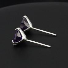 925 ezüst bedugós fülbevaló - cirkonszív, lila, 7 mm
