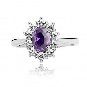 925 ezüst gyűrű - tiszta cirkóniákkal övezett lila kő