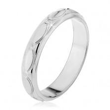Ezüst gyűrű - gravírozott ovális minta, kis kúpok