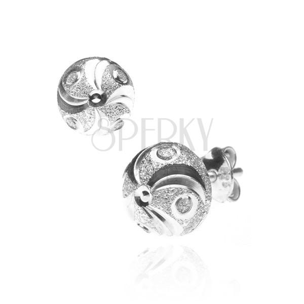 Ezüst fülbevaló - csillogó félgömb, spirál kis karikákkal