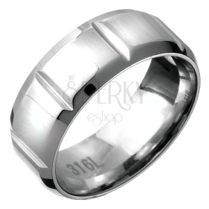 Acél gyűrű - letört élek és függőleges bevágások
