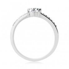 Ezüst gyűrű - kiemelkedő kerek cirkónia és kisebb kövek a száron