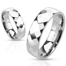 Gyűrű acélból - három sor fényes csiszolt rombuszokból