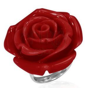 Gyűrű acélból - kinyílt piros rózsa gyantából
